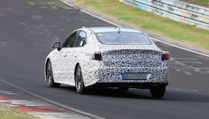 Nuova Hyundai i40 2020: berlina senza compromessi verso la guida autonoma - Foto 11 di 26