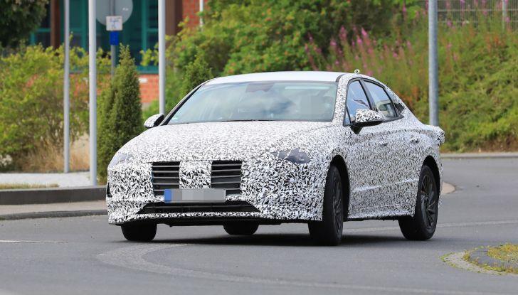 Nuova Hyundai i40 2020: berlina senza compromessi verso la guida autonoma - Foto 12 di 26