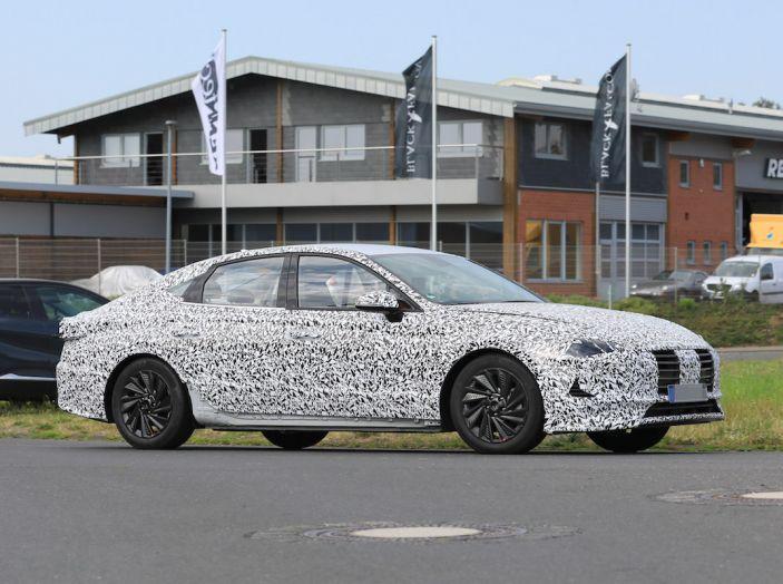 Nuova Hyundai i40 2020: berlina senza compromessi verso la guida autonoma - Foto 16 di 26