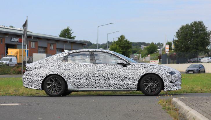 Nuova Hyundai i40 2020: berlina senza compromessi verso la guida autonoma - Foto 17 di 26