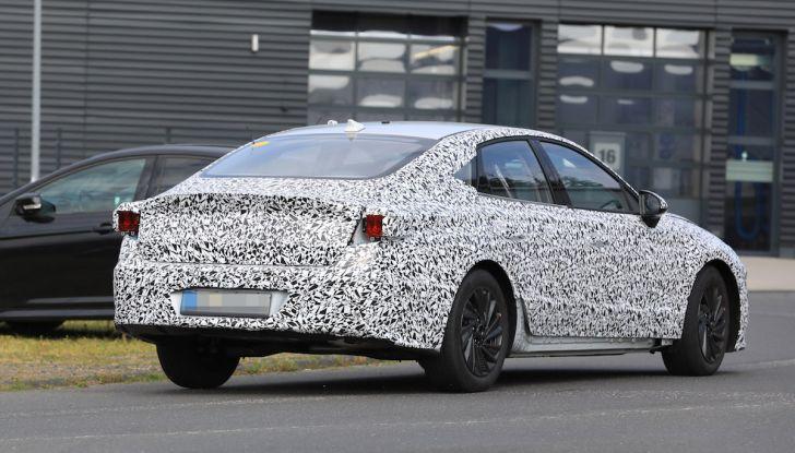 Nuova Hyundai i40 2020: berlina senza compromessi verso la guida autonoma - Foto 19 di 26