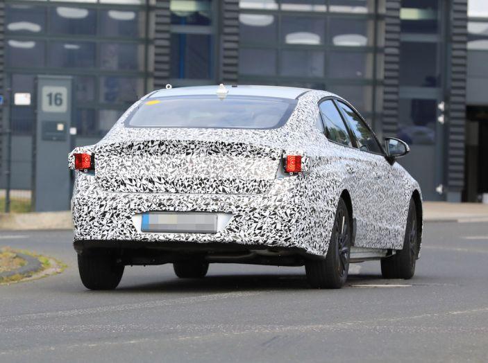Nuova Hyundai i40 2020: berlina senza compromessi verso la guida autonoma - Foto 20 di 26
