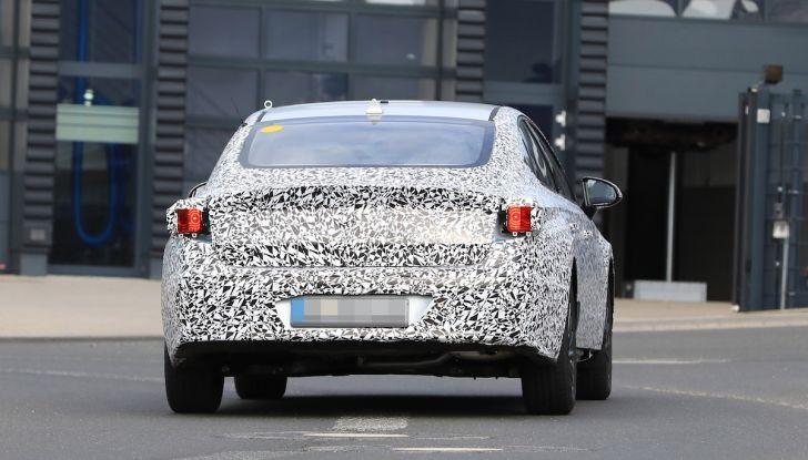 Nuova Hyundai i40 2020: berlina senza compromessi verso la guida autonoma - Foto 21 di 26