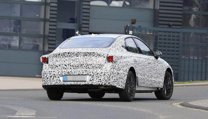Nuova Hyundai i40 2020: berlina senza compromessi verso la guida autonoma - Foto 22 di 26