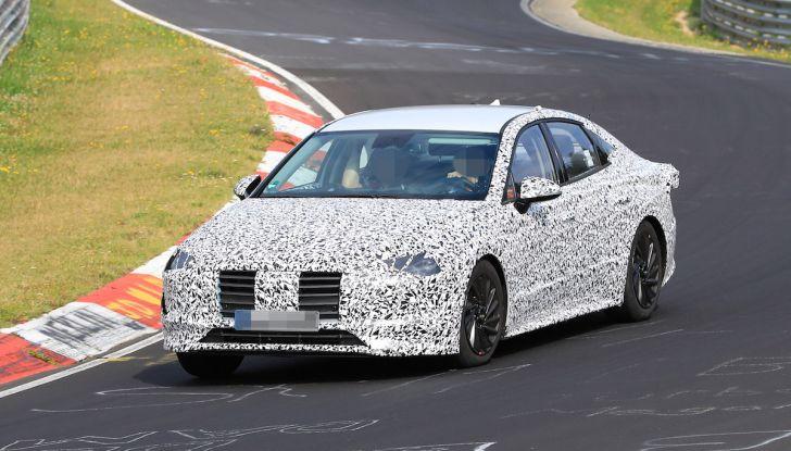 Nuova Hyundai i40 2020: berlina senza compromessi verso la guida autonoma - Foto 1 di 26