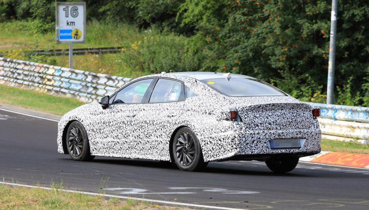 Nuova Hyundai i40 2020: berlina senza compromessi verso la guida autonoma - Foto 9 di 26