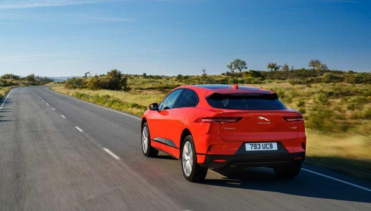 Jaguar I-Pace è Auto dell'Anno 2019 - Foto 13 di 25