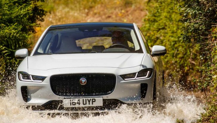 Jaguar I-Pace è Auto dell'Anno 2019 - Foto 12 di 25