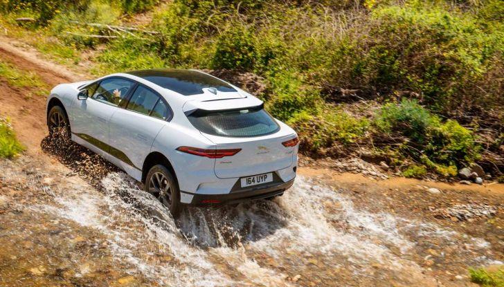 Jaguar I-Pace è Auto dell'Anno 2019 - Foto 11 di 25