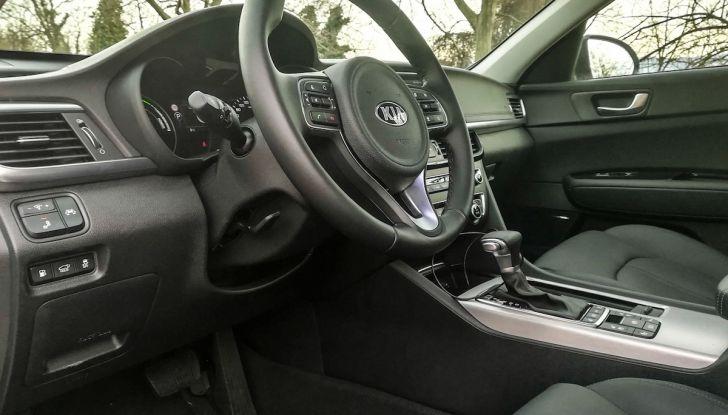 Kia Optima SW Plug-In Hybrid prova su strada, consumi e prestazioni - Foto 32 di 54