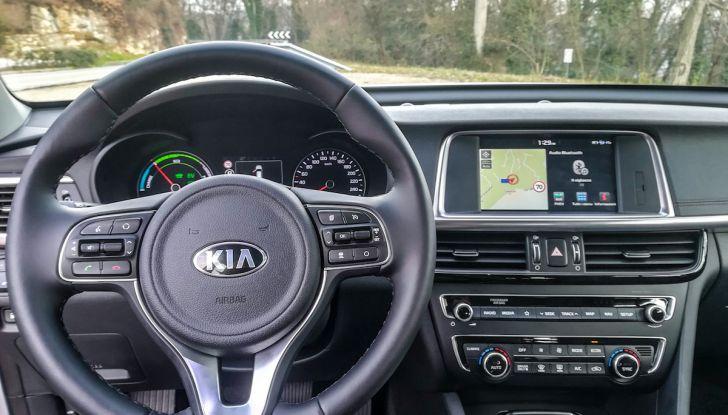 Kia Optima SW Plug-In Hybrid prova su strada, consumi e prestazioni - Foto 35 di 54