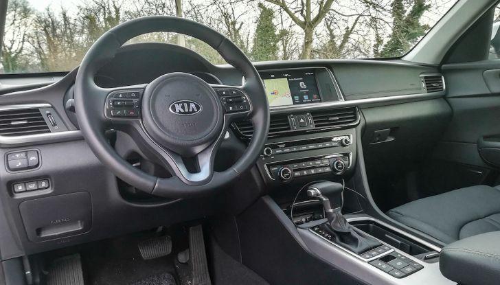 Kia Optima SW Plug-In Hybrid prova su strada, consumi e prestazioni - Foto 36 di 54