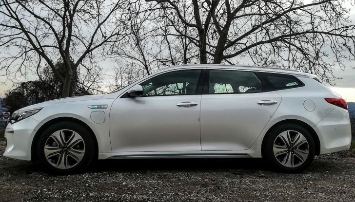Kia Optima SW Plug-In Hybrid prova su strada, consumi e prestazioni - Foto 3 di 54