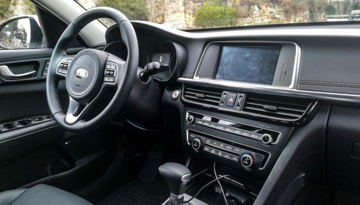Kia Optima SW Plug-In Hybrid prova su strada, consumi e prestazioni - Foto 51 di 54