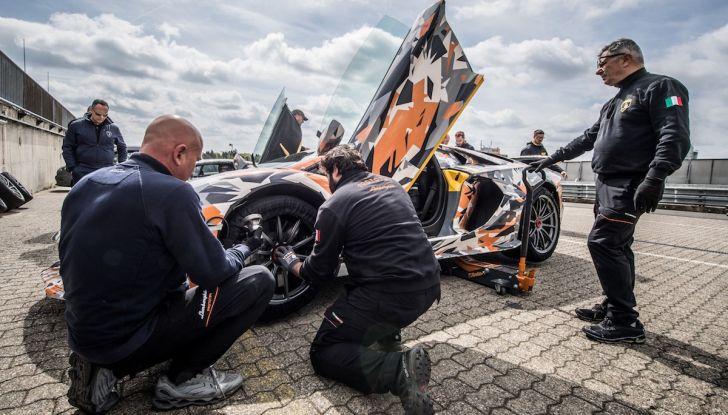 Lamborghini Aventador SVJ, record al Nurburgring: è la più veloce di sempre - Foto 3 di 11