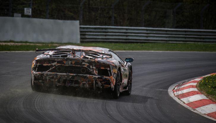 Lamborghini Aventador SVJ, record al Nurburgring: è la più veloce di sempre - Foto 2 di 11