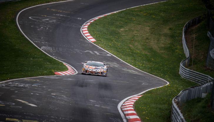 Lamborghini Aventador SVJ, record al Nurburgring: è la più veloce di sempre - Foto 4 di 11