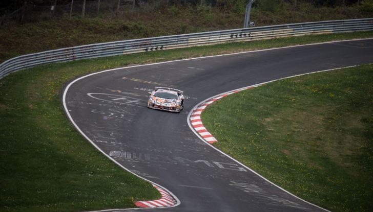 Lamborghini Aventador SVJ, record al Nurburgring: è la più veloce di sempre - Foto 9 di 11