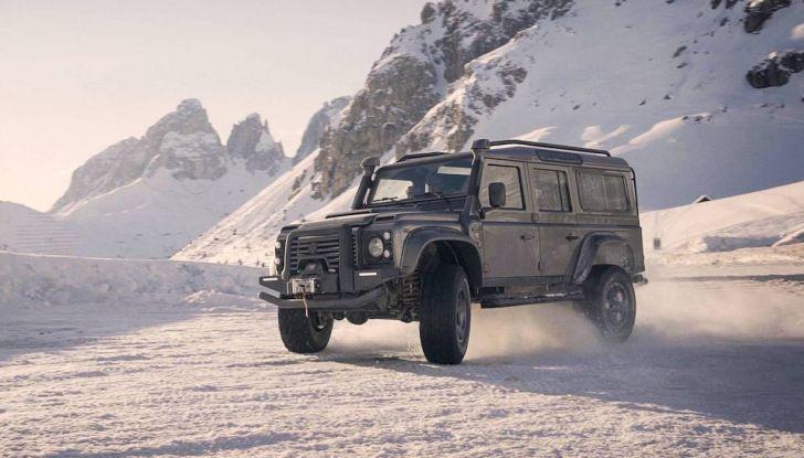 Land Rover Defender Ares, il V8 da 212.000 Euro arriva da Modena - Foto 6 di 9