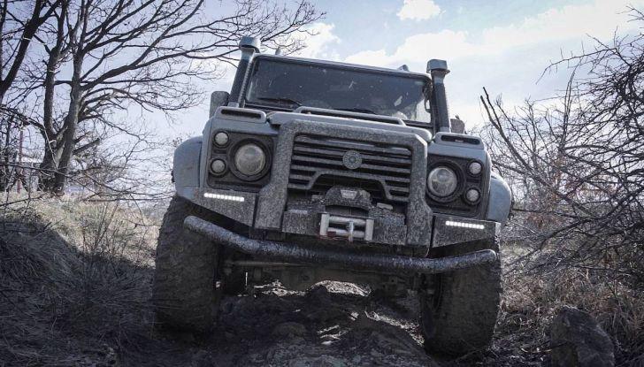 Land Rover Defender Ares, il V8 da 212.000 Euro arriva da Modena - Foto 7 di 9