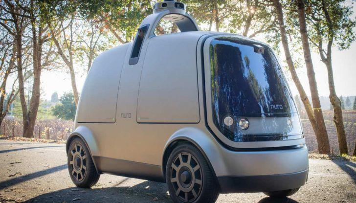L'auto a guida autonoma consegna la spesa ordinata online - Foto 2 di 6