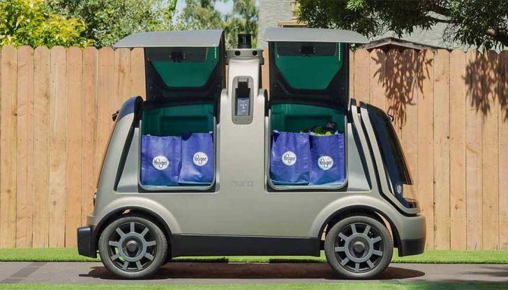 L'auto a guida autonoma consegna la spesa ordinata online - Foto 1 di 6