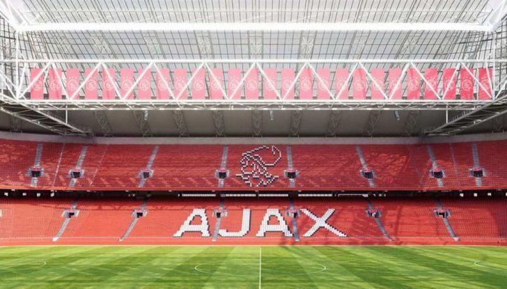 L'energia di Nissan LEAF alimenta lo stadio di Amsterdam - Foto 5 di 7
