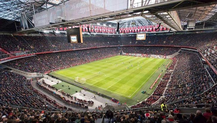 L'energia di Nissan LEAF alimenta lo stadio di Amsterdam - Foto 6 di 7