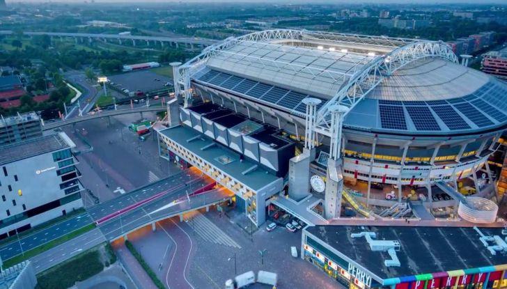 L'energia di Nissan LEAF alimenta lo stadio di Amsterdam - Foto 7 di 7