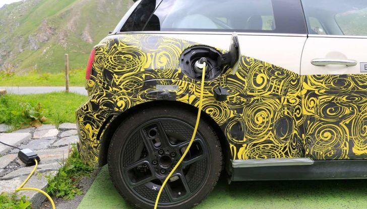 MINI Cooper E elettrica 2019 quasi pronta al debutto - Foto 11 di 14