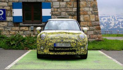 MINI Cooper E elettrica 2019 quasi pronta al debutto