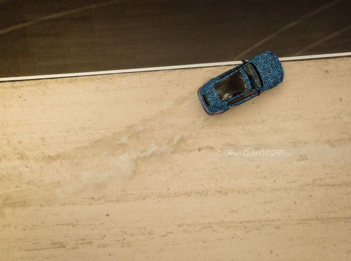 Mercedes-Benz EQC: il SUV elettrico della stella atteso il 4 settembre a Stoccarda - Foto 39 di 43