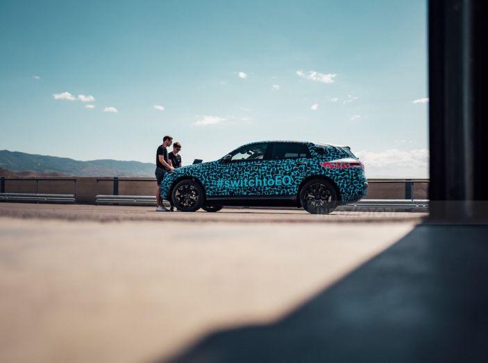 Mercedes-Benz EQC: il SUV elettrico della stella atteso il 4 settembre a Stoccarda - Foto 13 di 43