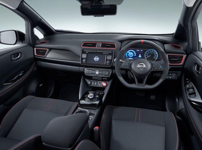 Nissan Leaf Nismo 2018: la prima Hot Hatch 100% elettrica - Foto 5 di 7