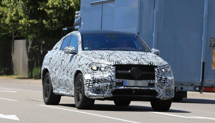 Nuova Mercedes GLE Coupè, test su strada della nuova generazione - Foto 16 di 19