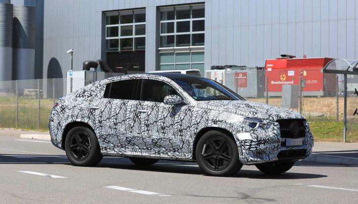 Nuova Mercedes GLE Coupè, test su strada della nuova generazione - Foto 1 di 19