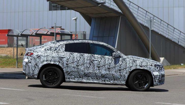 Nuova Mercedes GLE Coupè, test su strada della nuova generazione - Foto 18 di 19