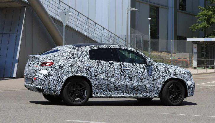 Nuova Mercedes GLE Coupè, test su strada della nuova generazione - Foto 11 di 19