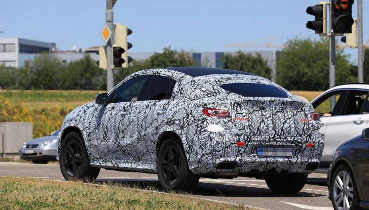 Nuova Mercedes GLE Coupè, test su strada della nuova generazione - Foto 8 di 19