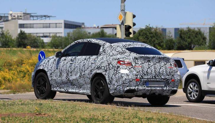 Nuova Mercedes GLE Coupè, test su strada della nuova generazione - Foto 10 di 19