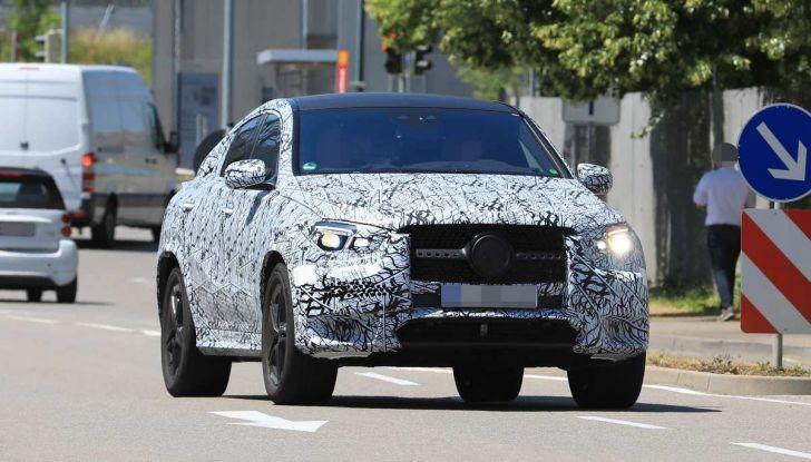 Nuova Mercedes GLE Coupè, test su strada della nuova generazione - Foto 15 di 19