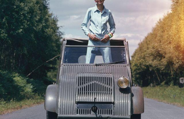 "Citroën 2 CV: La ""Toute Petite Voiture"" - Foto 13 di 14"