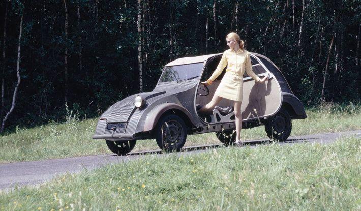"Citroën 2 CV: La ""Toute Petite Voiture"" - Foto 14 di 14"