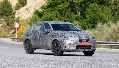 Renault Captur Coupe, dati e immagini del crossover compatto