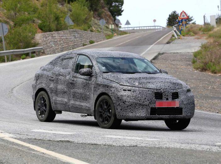 Renault Captur Coupe, dati e immagini del crossover compatto - Foto 20 di 21