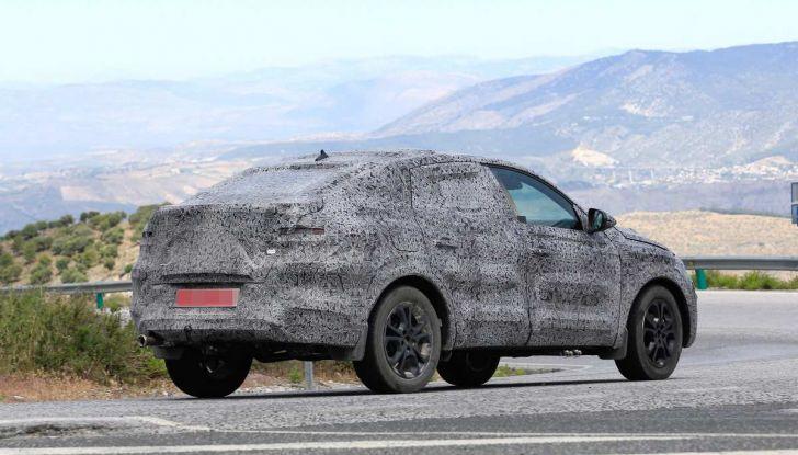 Renault Captur Coupe, dati e immagini del crossover compatto - Foto 21 di 21