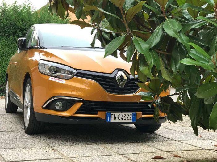 Renault Scénic 1.6 dCi da 131 CV prova su strada ed equipaggiamenti - Foto 4 di 11