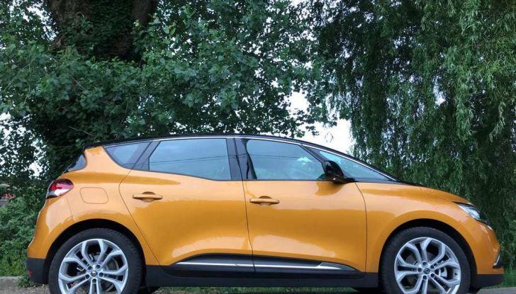 Renault Scénic 1.6 dCi da 131 CV prova su strada ed equipaggiamenti - Foto 7 di 11