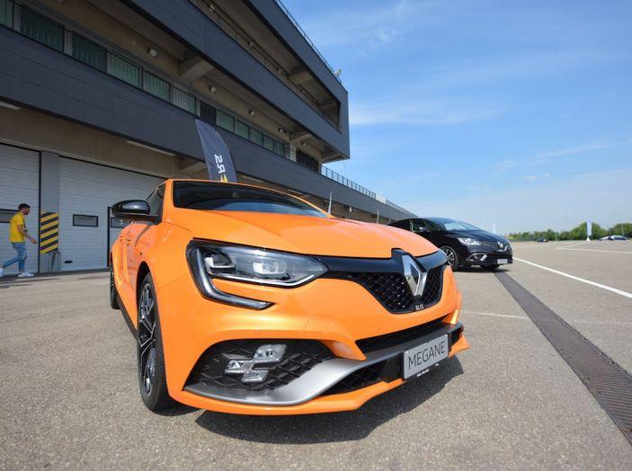 Renault Tecno 4All, in pista a Modena con la gamma 2018 - Foto 9 di 12