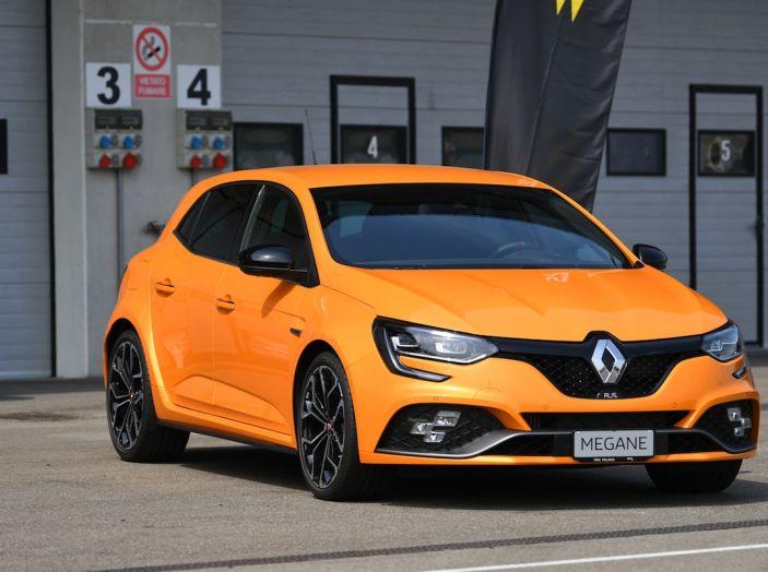 Renault Tecno 4All, in pista a Modena con la gamma 2018 - Foto 1 di 12
